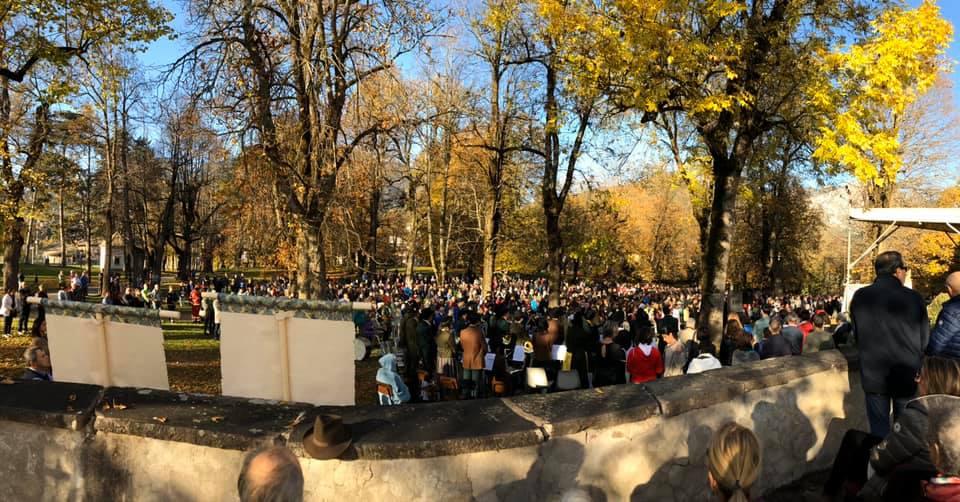 processione madonna addolorata da predazzo a cavalese un anno dopo tempesta vaia 27 ottobre 2019 ph walter deflorian Avvisi Parrocchie 27 ott. / 3 nov.