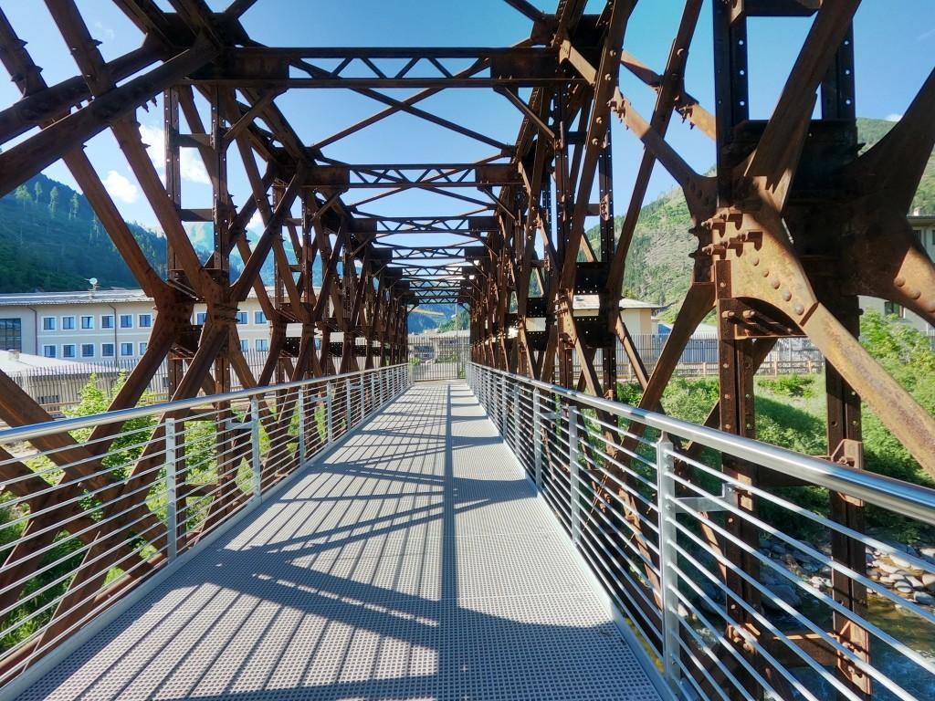 ciclabile predazzo ponte ferrovia ph gabriele dovolavilla 1024x768 SI INAUGURA IL NUOVO ATTRAVERSAMENTO CICLOPEDONALE DI PREDAZZO