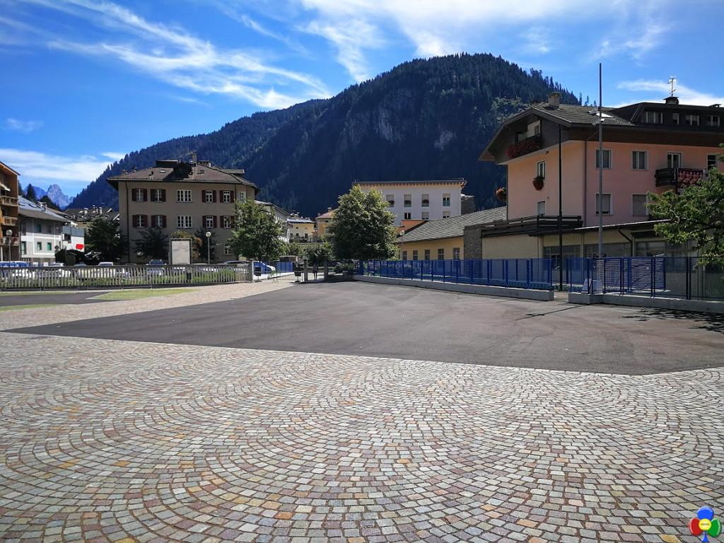 nuovo piazzale scuola elementare predazzo 1 1024x768 Predazzo, il nuovo cortile della Scuola Elementare