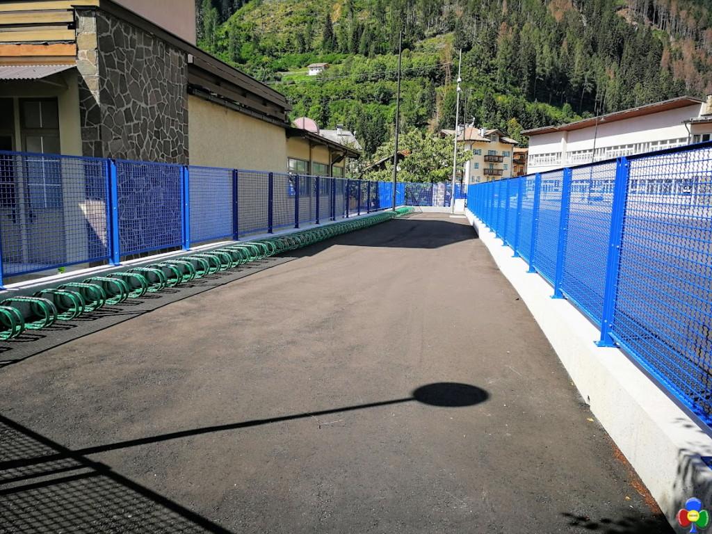 nuovo piazzale scuola elementare predazzo 2 1024x768 Predazzo, il nuovo cortile della Scuola Elementare