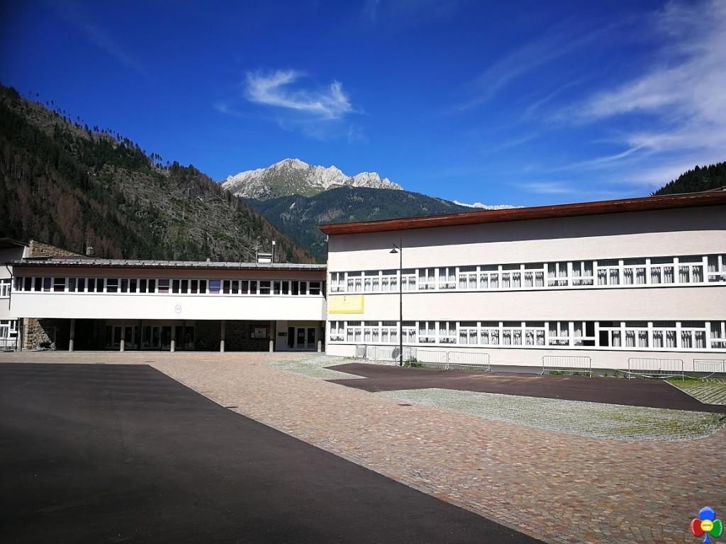 nuovo piazzale scuola elementare predazzo 4 1024x767 Predazzo, il nuovo cortile della Scuola Elementare