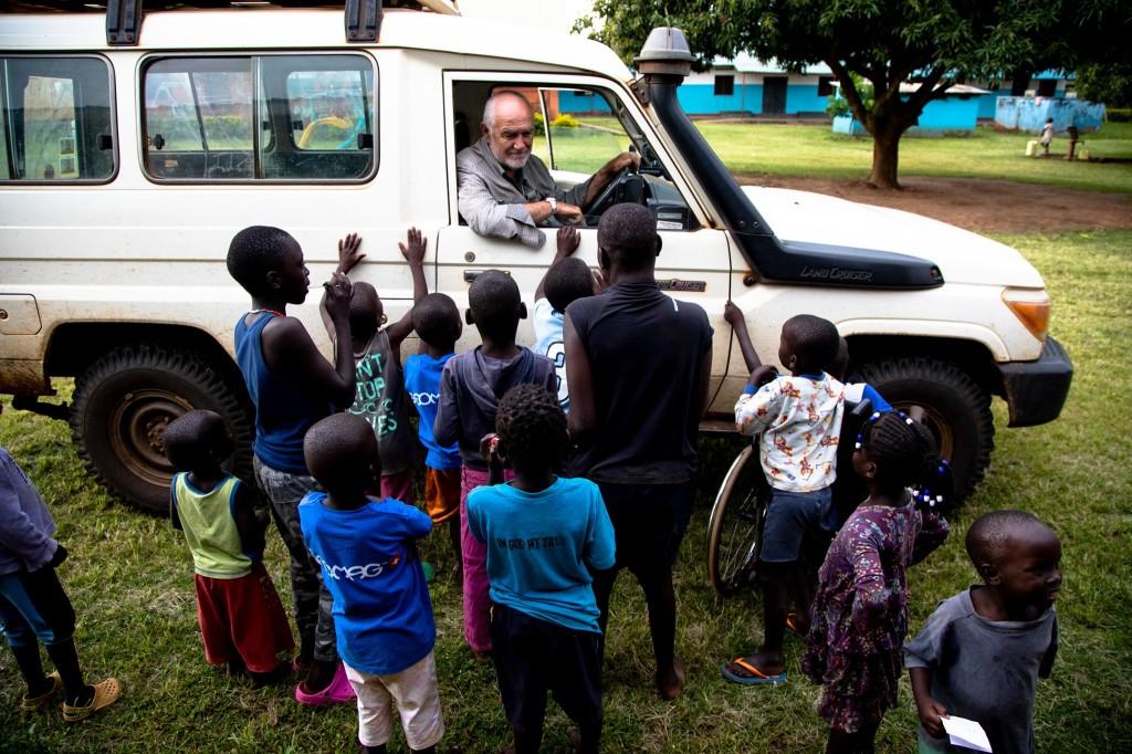 elio croce bro elio 3 1024x682 Fratel Elio Croce di Moena muore di coronavirus in Uganda