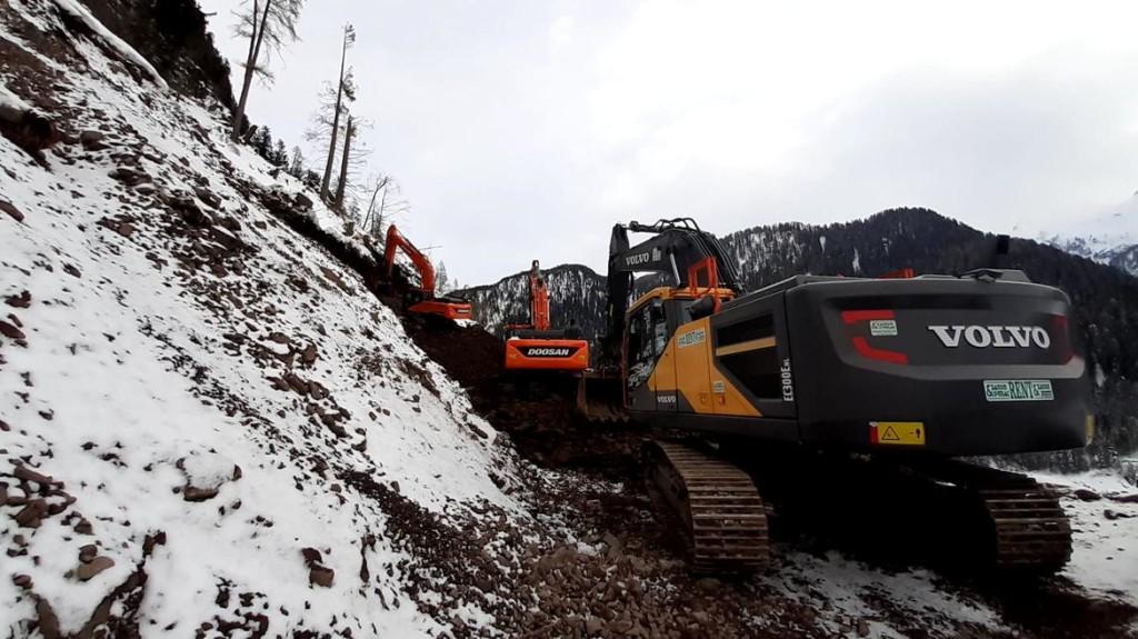 fortebuso lavori frana 1024x575 Domenica 17 riapre la statale 50 del Grappa e Passo Rolle